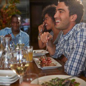 como atrair clientes para o restaurante