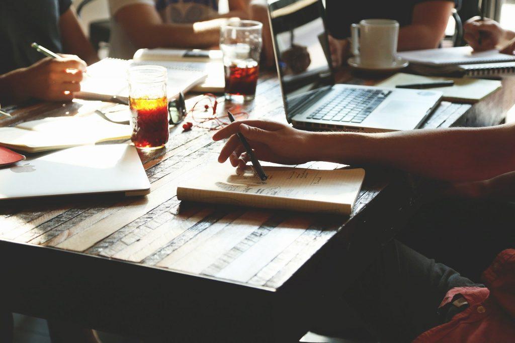 Vantagens de deixar seu restaurante automatizado: Reduz o tempo com tarefas operacionais e burocráticas