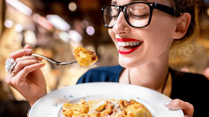Aprenda um passo a passo para fazer marketing para restaurantes