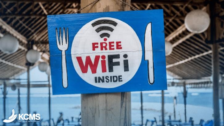 Não precisa nem falar que wi-fi não pode faltar em um restaurante moderno, né?